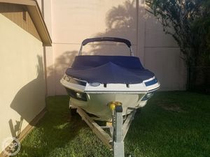 Used Crownline E215 XS Deck Boat For Sale