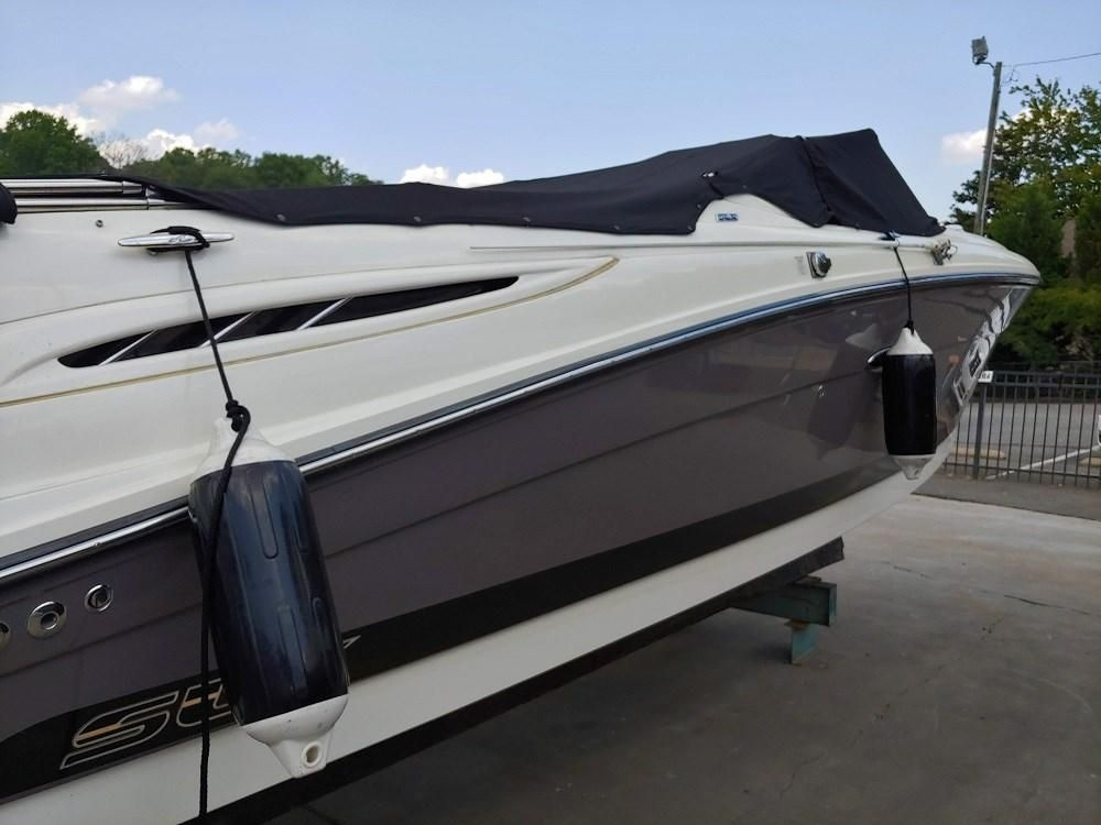 2006 Used Sea Ray 270 Select EX Bowrider Boat For Sale