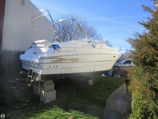 Used Larson 254 Cabrio Express Cruiser Boat For Sale