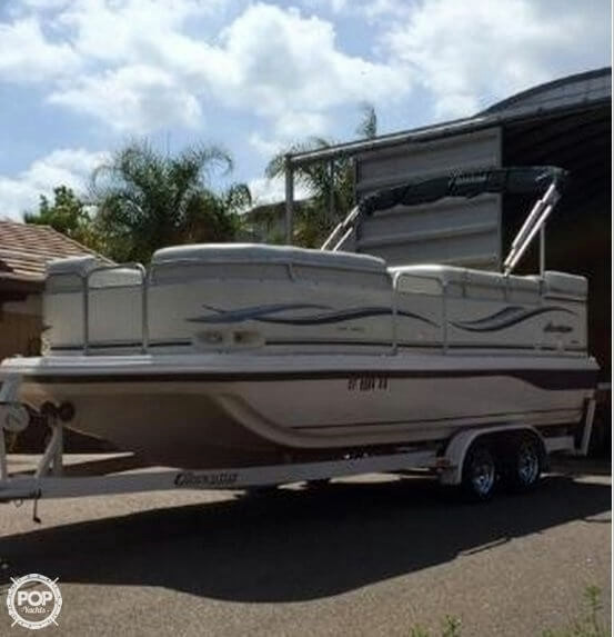 Used Hurricane FunDeck 218 RE Deck Boat For Sale