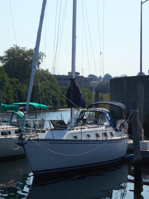 Used Cherubini Hunter 36 Cruiser Sailboat For Sale