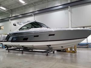 New Formula 400 Super Sport Crossover Center Console Fishing Boat For Sale