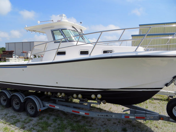 Used True World Marine Sports Fishing Boat For Sale