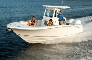 Used Tidewater 252 CC Center Console Fishing Boat For Sale