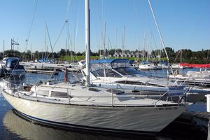 Used C&c 32 Racer and Cruiser Sailboat For Sale