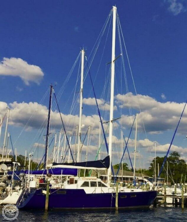 1998 Used Bruce Roberts Steel 43 Pilothouse Racer And