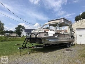 Used Tahoe VT 2685 Funship Pontoon Boat For Sale
