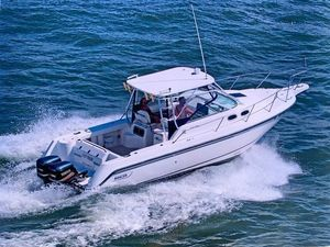 Used Boston Whaler 28 Conquest Freshwater Fishing Boat For Sale