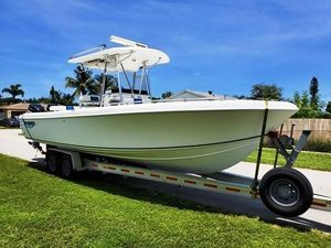 Used Bluewater 2850 CC Center Console Fishing Boat For Sale