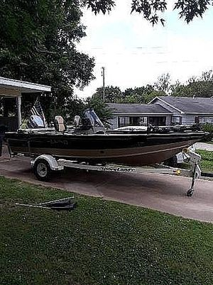 Used Lund 1800 PRO-V SE Bass Boat For Sale
