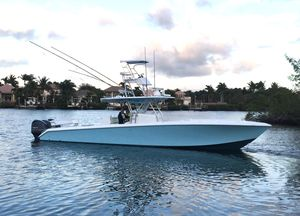 Used Bahama Seakeeper Gyro Equipped Center Console Fishing Boat For Sale
