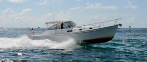 Used Freedom Legacy 40 Express Cruiser Boat For Sale