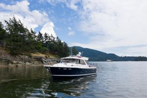 New Cutwater C-30 Sedan Cruiser Boat For Sale