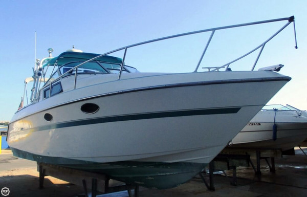 Used Tiara 279SC Express Cruiser Boat For Sale