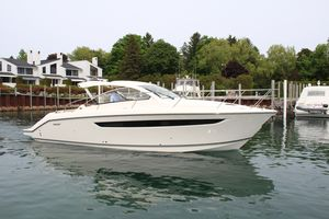 New Pursuit SC 365I Sport Coupe Express Cruiser Boat For Sale
