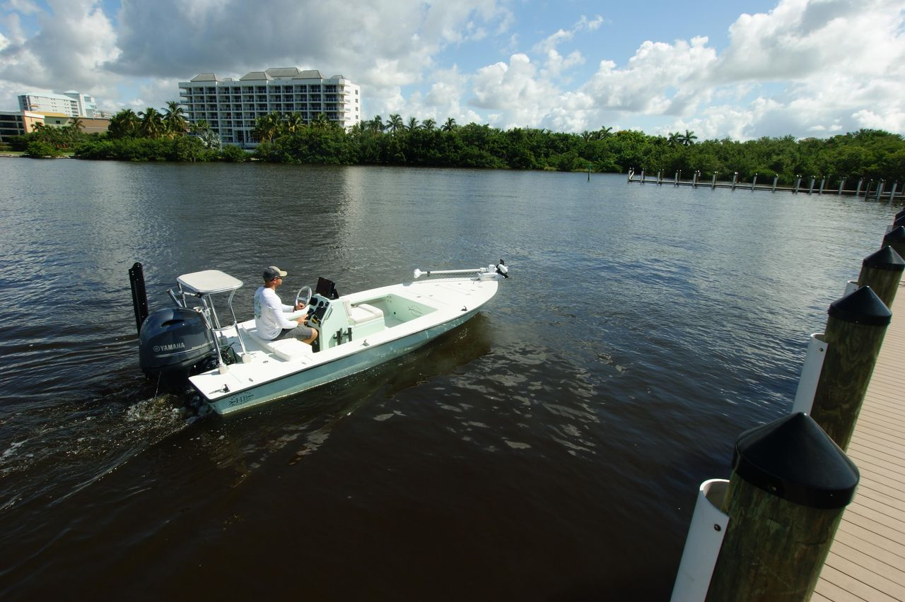 2004 Used Hell's Bay Marquesa Saltwater Fishing Boat For