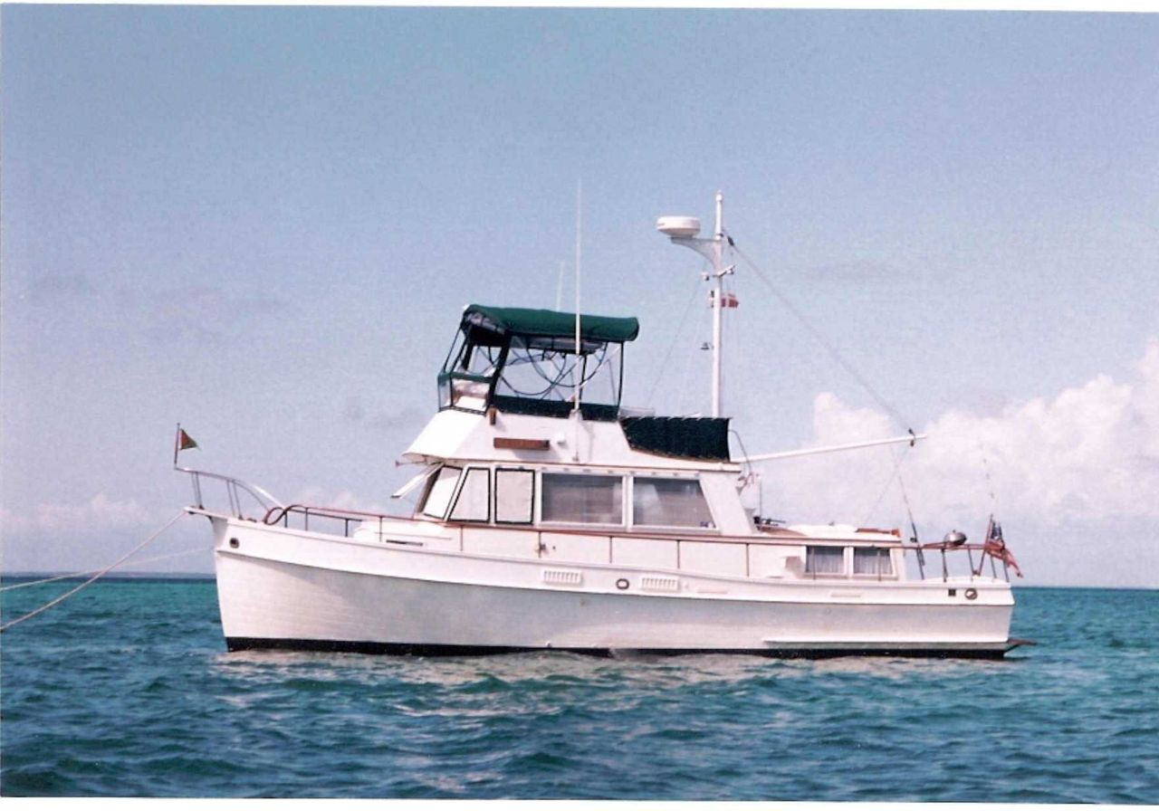 1975 Used Grand Banks Classic Trawler Motor Yacht For Sale