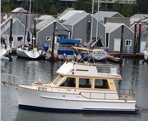 Used Island Gypsy Sedan Motor Yacht For Sale