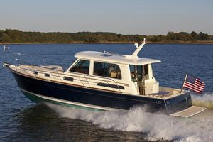 Used Sabre 42 Salon Express Motor Yacht For Sale