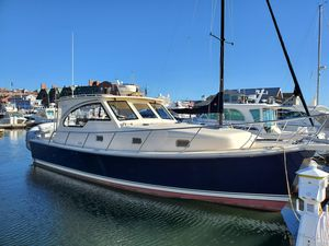 Used Mainship Pilot 34 Sedan Convertible Fishing Boat For Sale