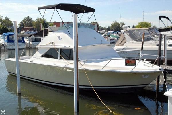 Used Bertram 28 Flybridge Cruiser Sports Fishing Boat For Sale