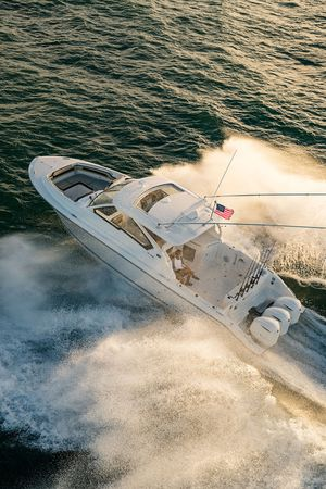 New Pursuit DC 365 Cruiser Boat For Sale