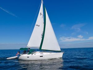Used Beneteau 351 Racer and Cruiser Sailboat For Sale