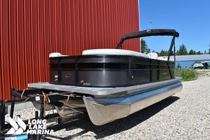 New Crest Classic DLX 220 SLCClassic DLX 220 SLC Pontoon Boat For Sale