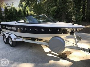 Used Mastercraft ProStar 19 Skier Ski and Wakeboard Boat For Sale