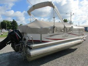 Used Sunchaser 820820 Pontoon Boat For Sale