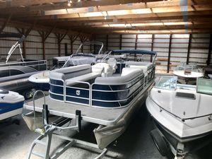 Used Sweetwater SW 2486 SB Pontoon Boat For Sale