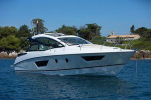Used Beneteau Gran Turismo 40 Motor Yacht For Sale
