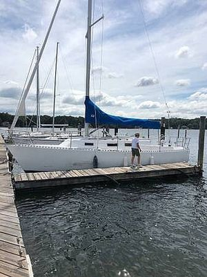 Used J Boats 28 Racer and Cruiser Sailboat For Sale