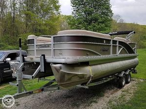 Used Sweetwater 220 DL PE Pontoon Boat For Sale