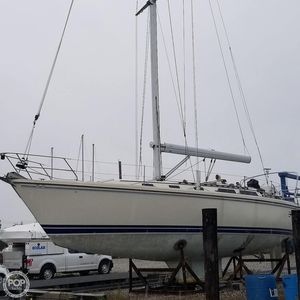 Used Catalina 42 Wing Racer and Cruiser Sailboat For Sale