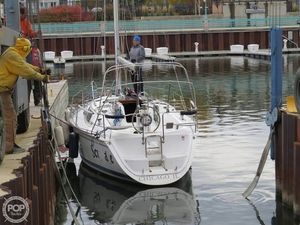 Used Hunter 30T Racer and Cruiser Sailboat For Sale