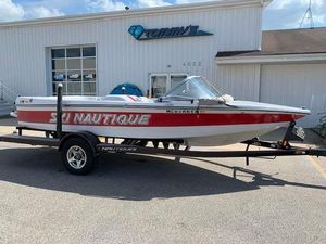 Used Nautique 196 TE196 TE Ski and Wakeboard Boat For Sale