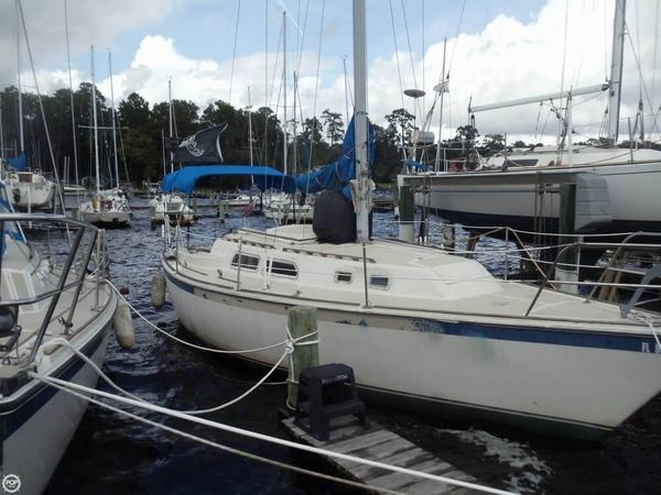 Used O'day 30 Sloop Sailboat For Sale