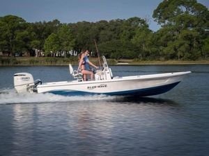 New Blue Wave 2300 PureBay2300 PureBay Center Console Fishing Boat For Sale