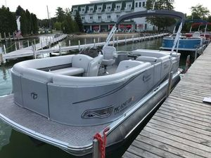 Used Tahoe LTZ Cruise Oyster Shell 22LTZ Cruise Oyster Shell 22 Pontoon Boat For Sale