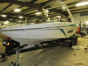 New Malibu 22 LSV22 LSV Ski and Wakeboard Boat For Sale