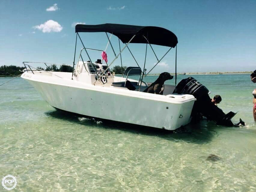 2002 Used Pro Line 20 Sport Walkaround Fishing Boat For