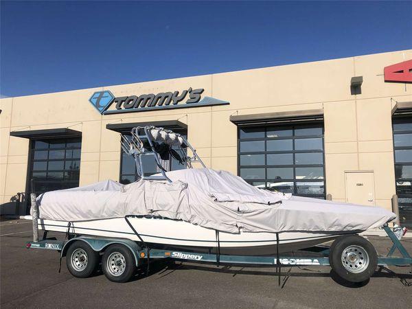 Used Moomba KamberraKamberra Ski and Wakeboard Boat For Sale