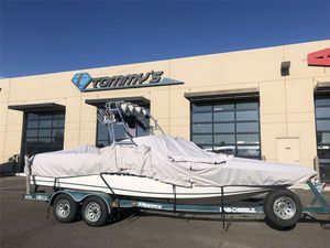 Used Moomba KamberraKamberra Ski and Wakeboard Boat For Sale