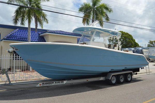 New Cobia 350CC350CC Center Console Fishing Boat For Sale