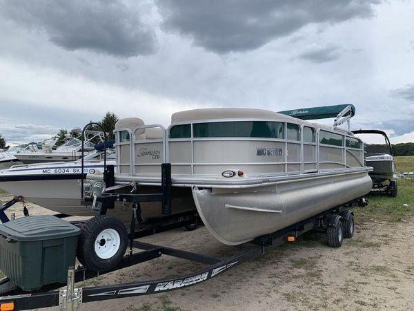 Used Berkshire 231 RFC LTD231 RFC LTD Pontoon Boat For Sale