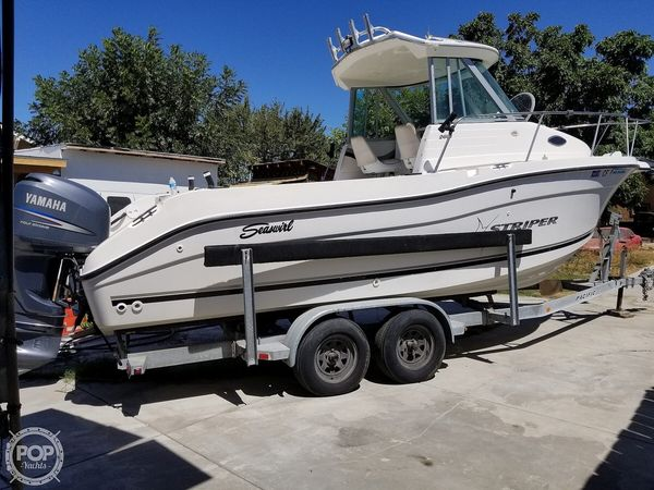 Used Seaswirl 2601 WA Walkaround Fishing Boat For Sale
