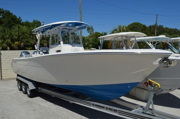 New Cobia 320CC320CC Sports Fishing Boat For Sale
