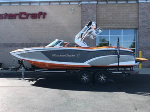 Used Mastercraft X23X23 Ski and Wakeboard Boat For Sale