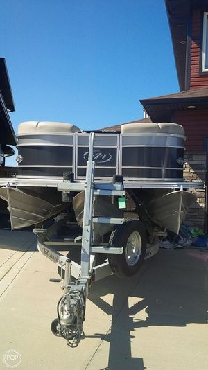 Used Manitou 25 Legacy SRS SHP Pontoon Boat For Sale